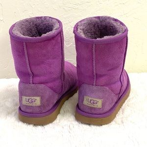 UGG, Classic Short Purple Boots Sz 5 Youth